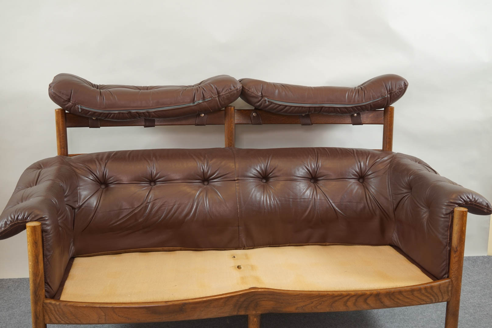 Vintage Tufted Leather Sofa By Arne Norell Galerie Libelle