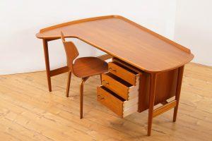 Model BO85 Desk Arne Vodder for Bovirke