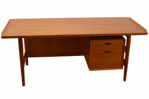 Arne Vodder Desk in Teak