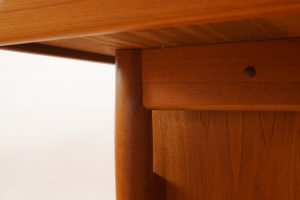 Teak writing desk by Arne Vodder