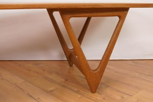 Surfboard Table Kurt Ostervig